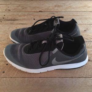 Nike Flex Experience RN sz 12